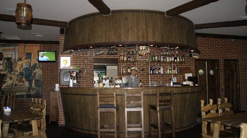 Паб Капитан Колбасьев - небольшой пивной бар в Киеве, в ТЦ Отрадненский, отзыв о посещении
